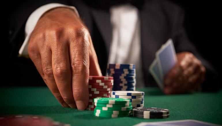 游戏类型:Flash版德克扑克