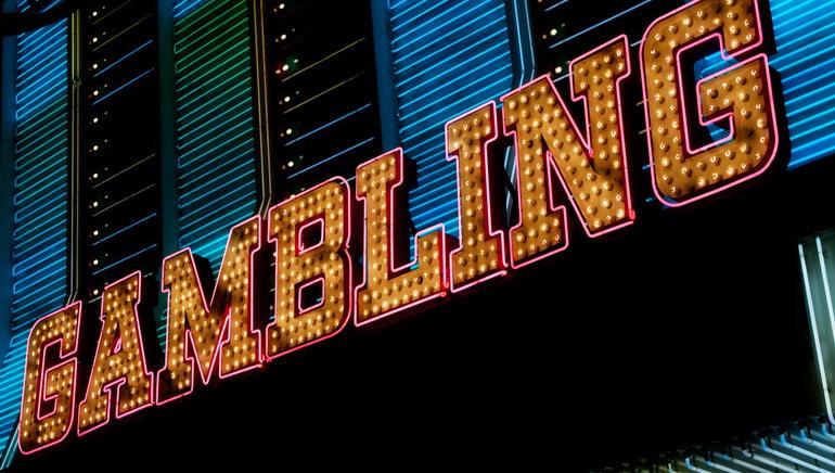 在線賭場遊戲嘅高級類型