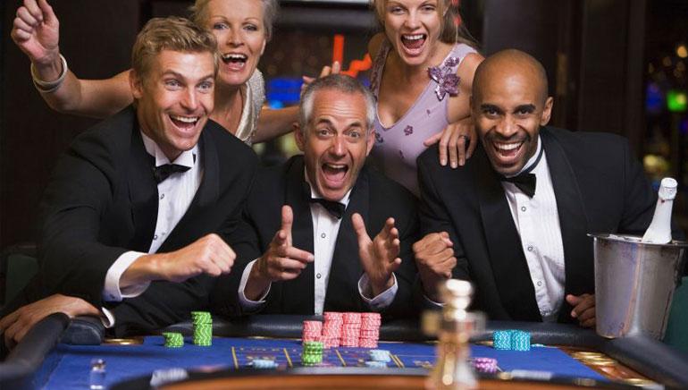 同朋友一起嚟玩赌博游戏啦!
